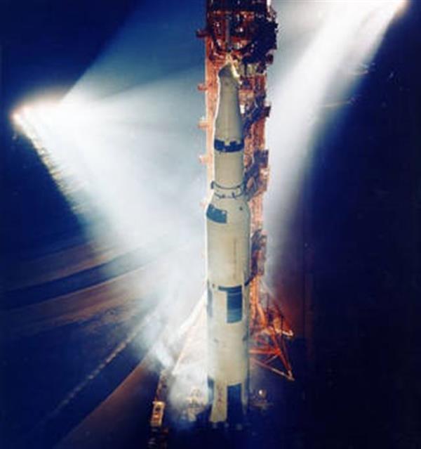 美国宇航局测试3D打印60年的时代F-1火箭发动机