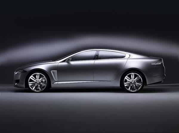 C-XF概念车将是捷豹新的里程碑,由设计总监Ian Callum和高及设计师Julian Thomson领导设计。捷豹全系一向拥有着简洁、幽雅的线条,张显著英国绅士那彬彬有礼的特征。犀利、冷俊的前大灯,在高腰身的配合下......