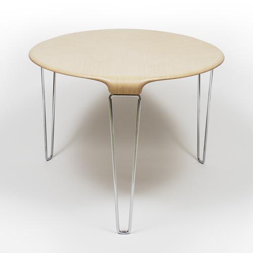 位于米兰的Kyoko Inoda + Nils Sveje 工作室设计DT 03 桌  曾获得 IFDA2005 铜奖   Lounge 椅