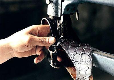 Goccio Gucci让Gucci的logo成为全世界消费者共同追逐的目标;Tom Ford让性感的Gucci创造了一个无敌的神话;Frida Giannini则让Gucci更接近于它本身……86年的奢华之路就这样成就了Gucci这一个奢侈巨兽。